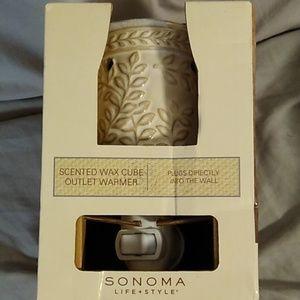 Sonoma scented wax cube warmer. NIB